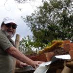 permacultura.xyz construcción de techos de tierra en la vereda Matarredonda, Nariño, Colombia. Acabado final cinta asfaltica